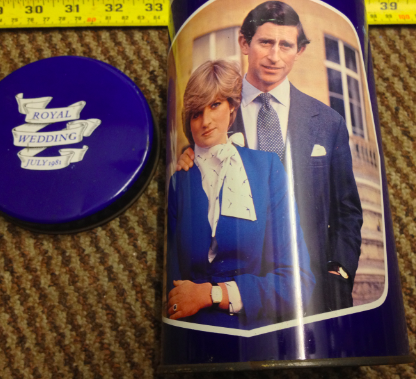 PRINCESS DIANA PRINCE CHARLES COMMEMORATIVE BISCUIT TIN/4